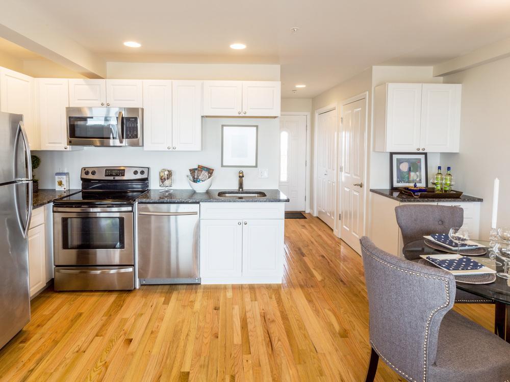 SHORELINE-PropertyUnits-KitchenDining3